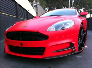 Mansory tiuningo Aston Martin DBS negana
