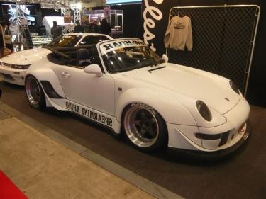 Spalvų ir formų fiesta parodoje Tokyo Auto Salon 2012