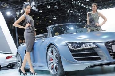 Qatar Motor Show 2012 parodos merginos