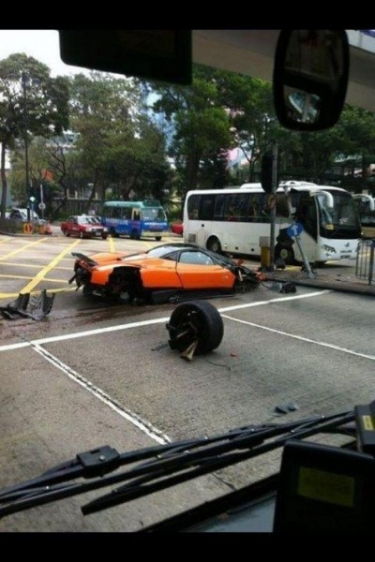 Hong Konge sudaužyta Pagani Zonda