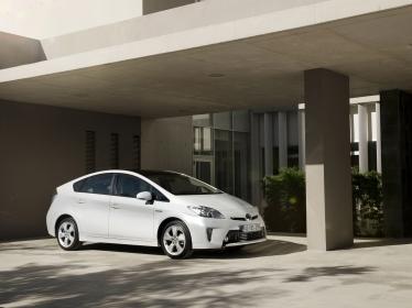 """Toyota Prius pripažintas Vokietijos ADAC """"Ateities automobilio"""" apdovanojimuose"""