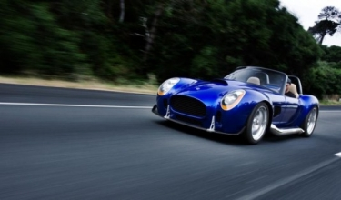 ICONIC AC Roadster įkvėptas legendinės Cobros