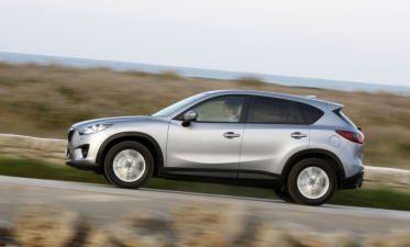 """""""Mazda"""" sukūrė naujos kartos taupiausią automobilį"""