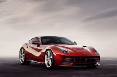Ferrari pristatė naująjį F12 Berlinetta