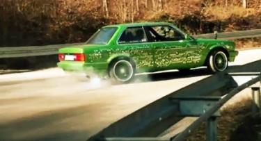 Elektrinis savadarbis BMW prieš visą pasaulį!