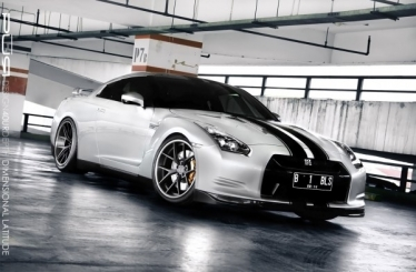 Dar tobulesnis Nissan GT-R