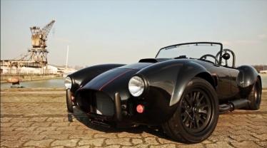 Juodai gražus Shelby Cobra RT 3 GT