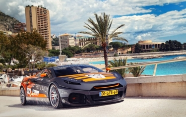 Naujasis superautomobilis - Savage Rivale Roadyacht GTS