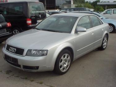 Kai nusibodo Audi A4, tiesiog pasidarė Audi RS4