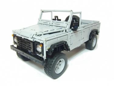 Iš Lego pagamintas Land Rover 110